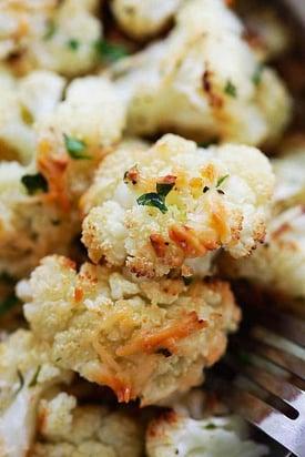 garlic-parmesan-roasted-cauliflower4